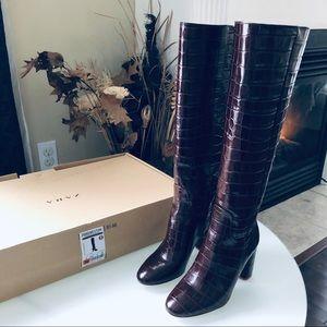 $100 FIRM Zara Burgundy crocodile high boots 36